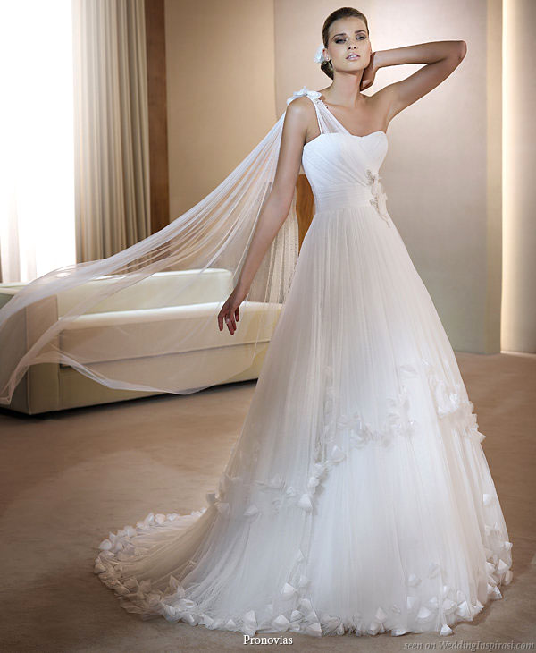 pronovias_2011_farnes_wedding_dress