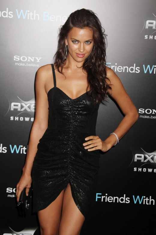 Irina Shayk Wear Very Sexy Black Dress At Friends With Benefits Premiere in New York-10-520x782