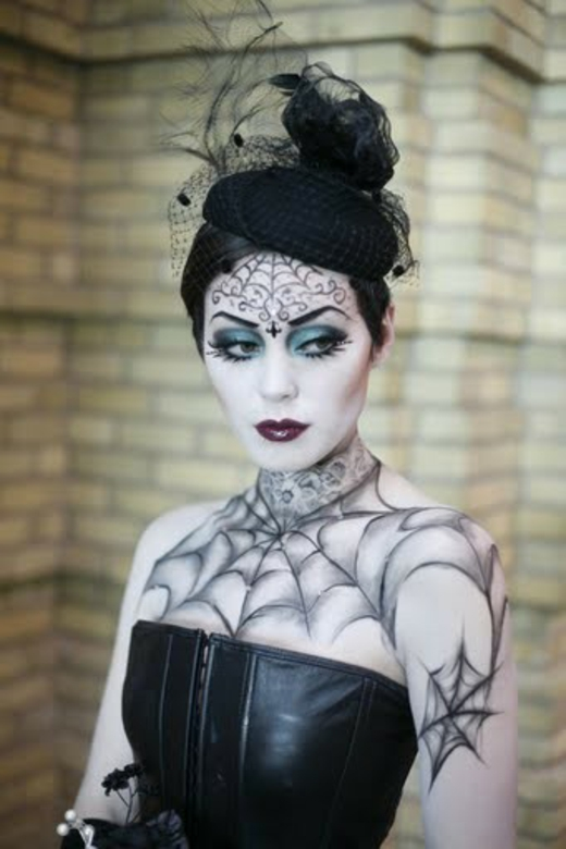 22 spooky halloween makeup ideas for Gothic painting ideas