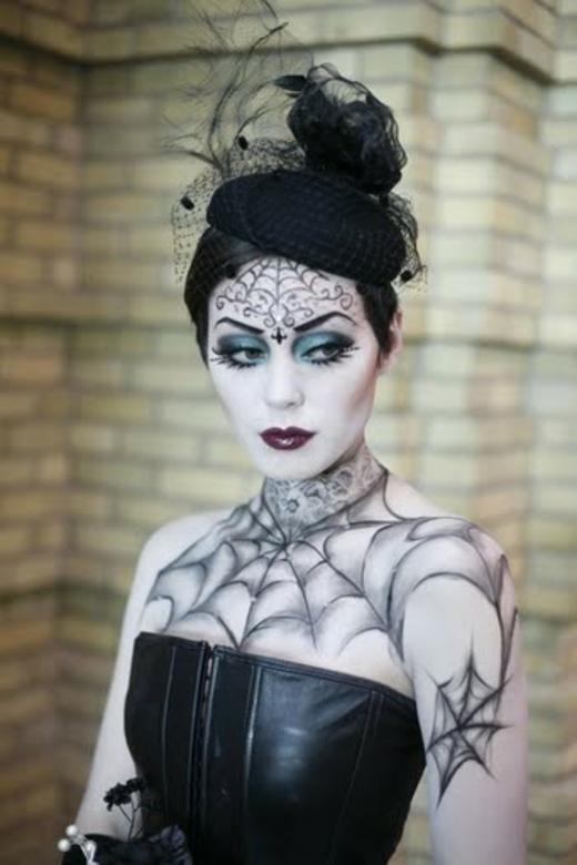 gothic-halloween-make-up-ideas