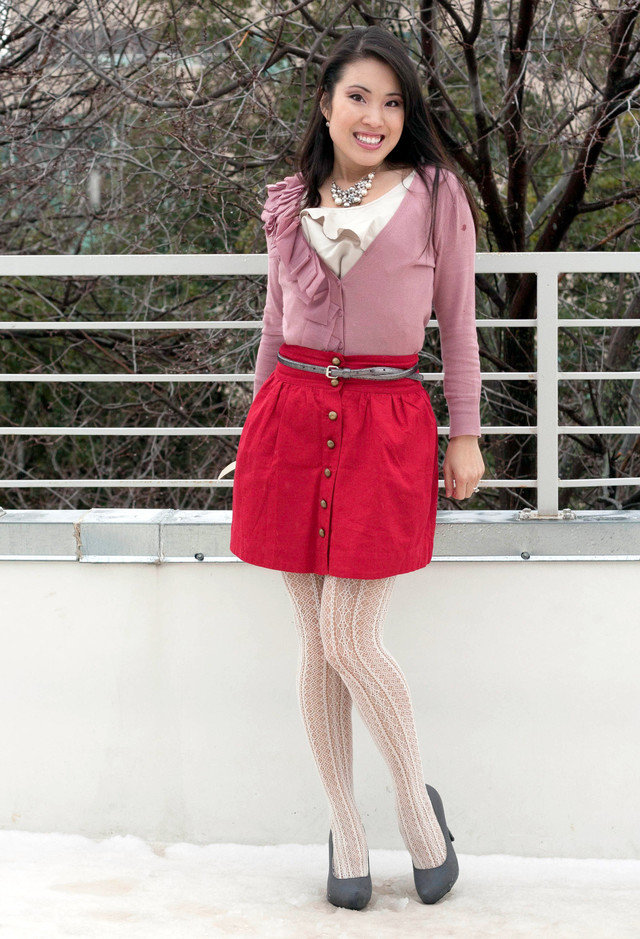 white-pink~look-main-single