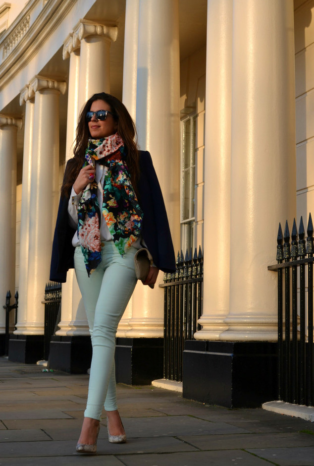 Keep Warm And Stylish With These Trendy Scarves