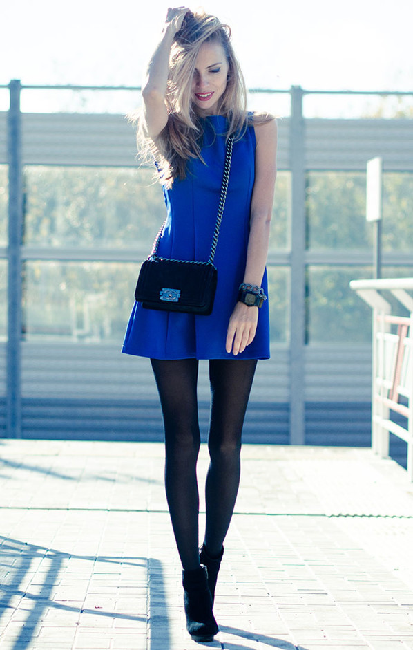 blue-dresses-black-bags~look-main-single
