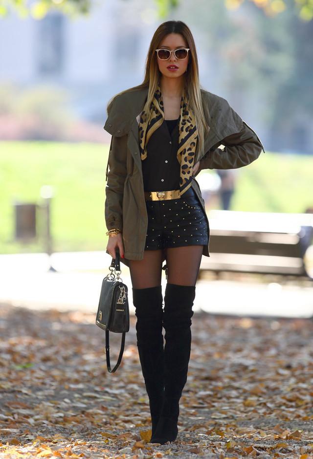 cafe-noir-coats-bags-shorts~look-main-single