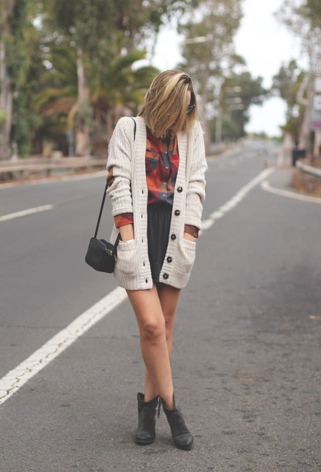 cardigans-botines-faldas-camisas-blusas~look-main-single
