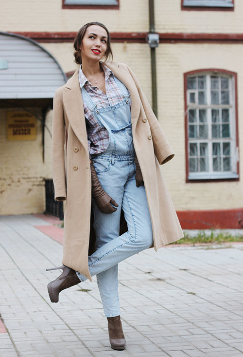pale-brown-ankle-boots-booties-turquoise-jumpsuits~look-main