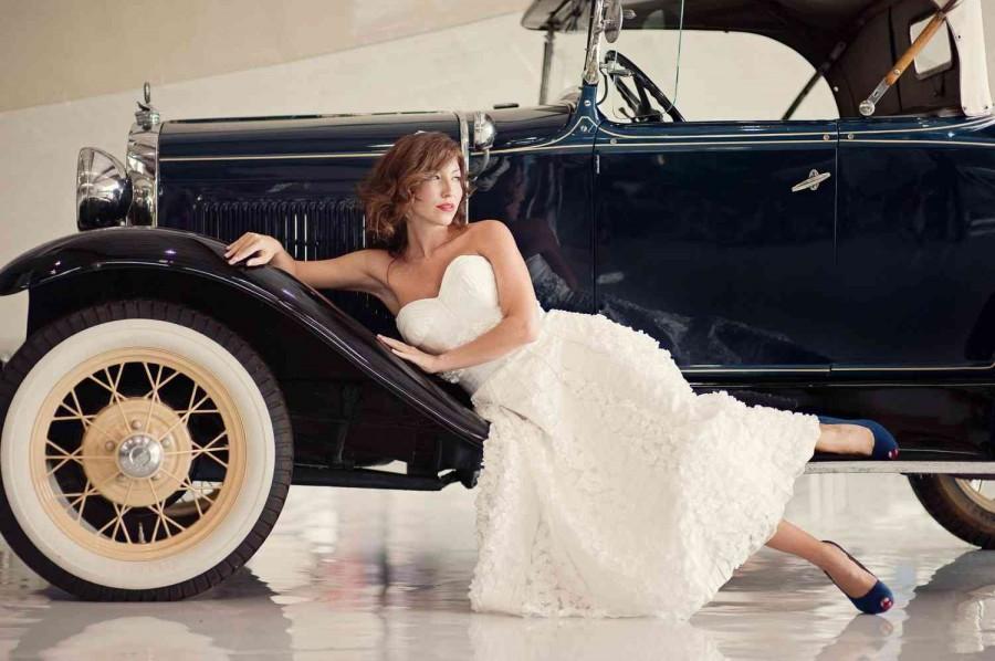 tea-length-wedding-dress-retro-tea-length-wedding-dress-blue-wedding-shoes-59495-900x598