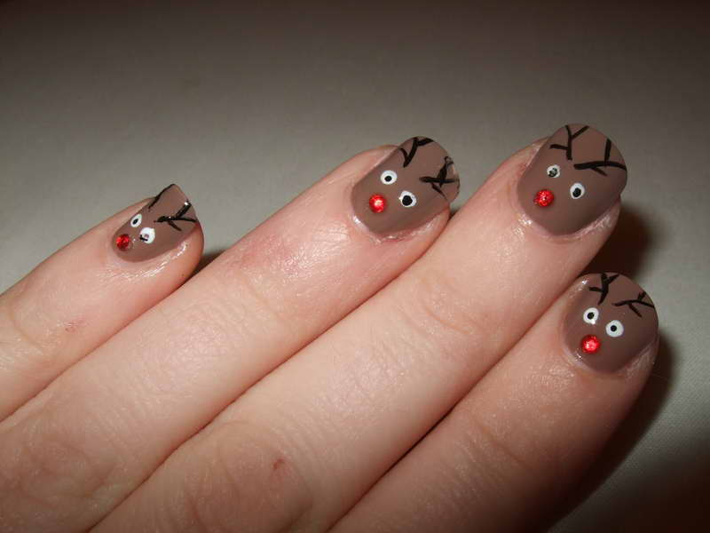 Christmas-Nail-Art-Designs-With-Color-Brown