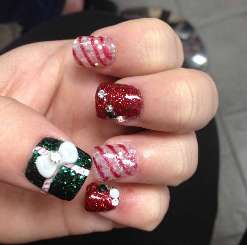 Christmas-Nail-Art-Designs-With-Diamond-White