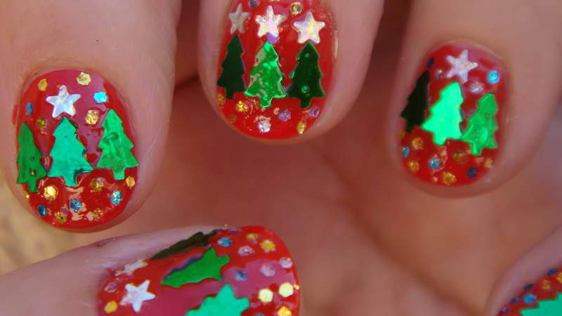 Christmas-Nail-Art-Designs-With-Ornamental-Star