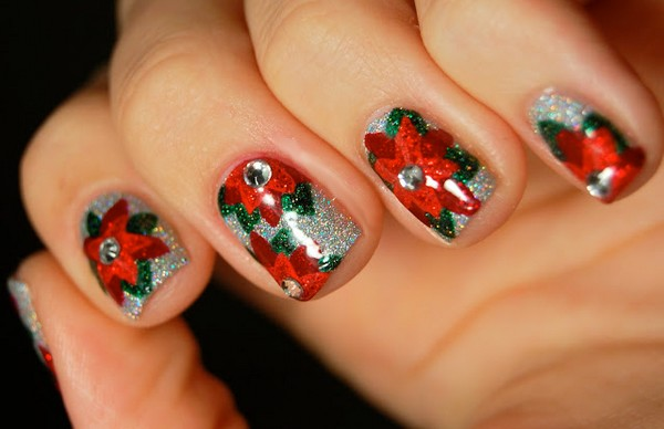 Top-10-Outstanding-Christmas-Nail-Art-Pictures1