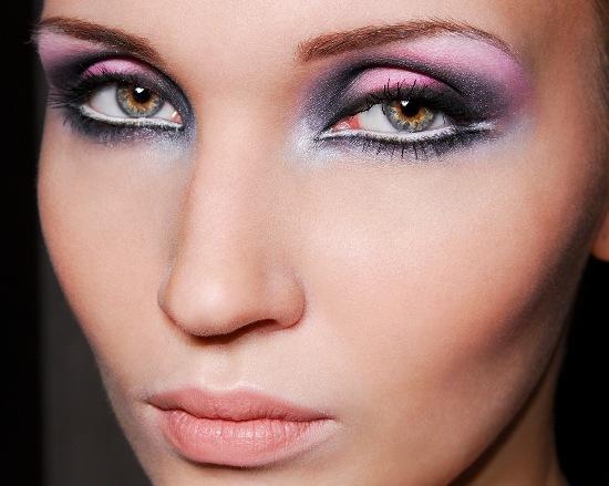 White-Eye-Liner