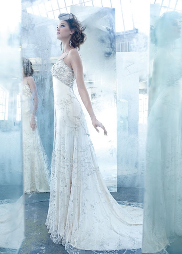 Stunning wedding dresses by lazaro for Where to buy lazaro wedding dresses