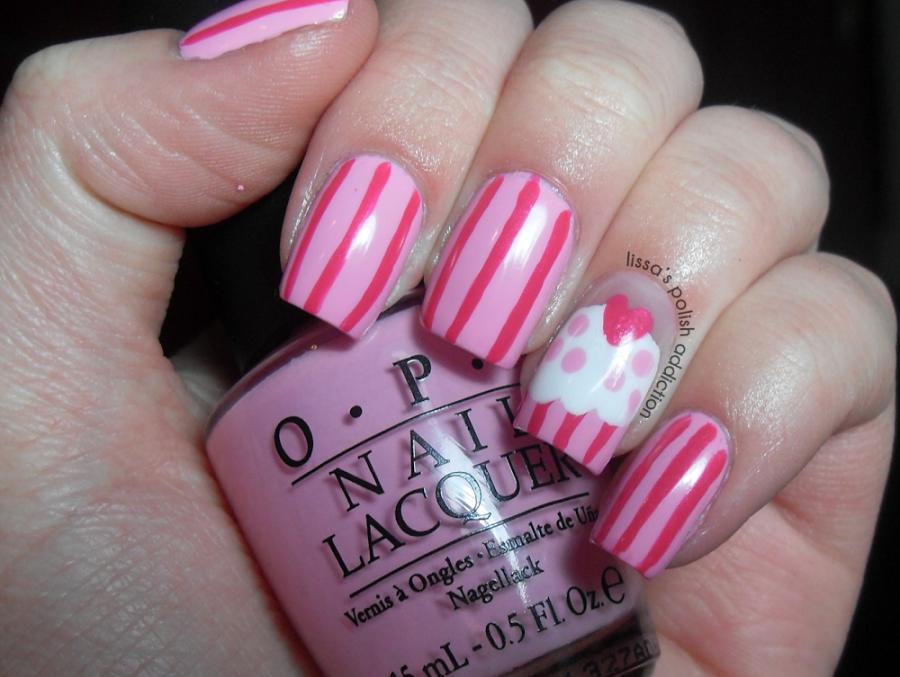 nail-art-cute-persian-pink-striped-cupcake-nail-art-cupcake-nail-art-900x677