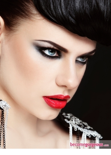 new-years-party-makeup-metallic-smokey-red-lips-becomegorgeous