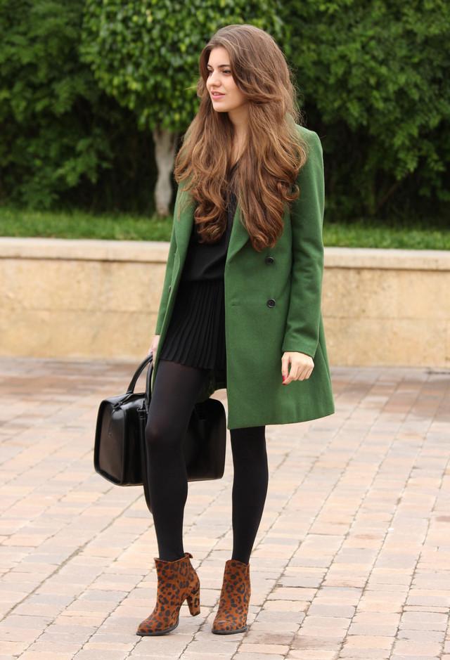 zara-verde-oscuro-abrigos-negro~look-main-single