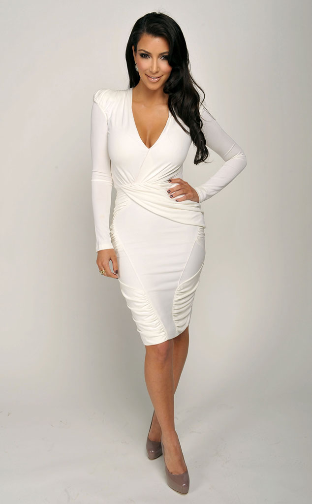 Giving Your Curves a Hug: How to Dress Your Curvy Figure with Confidence