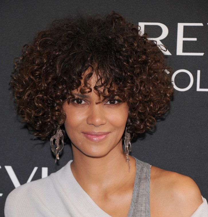 9-Short-Curly-Hairstyles-For-Women-Pictures