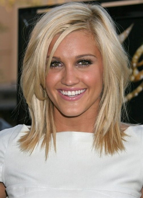 Casual-Hairstyles-For-Medium-Straight-Hair-Women4