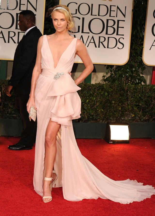 Charlize-Theron-lit-up-Golden-Globes-red-carpet-most-feminine-romantic-Christian-Dior-Couture-gown