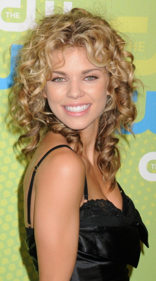 Curly Medium Hairstyles 3