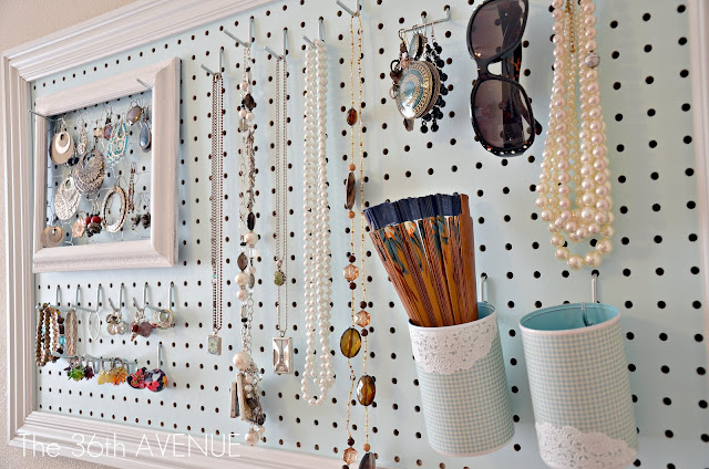 http://www.fashiondivadesign.com/wp-content/uploads/2014/01/DIY-jewelry-organizer-with-place-for-everything.jpg