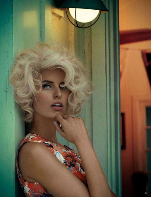 Karolina-Kurkova-short-curly-hair