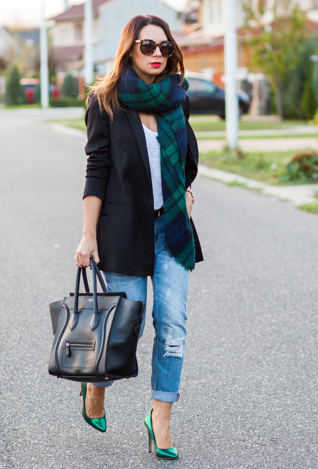 checker-dark-green-dark-blue-scarves-echarpes~look-main-single