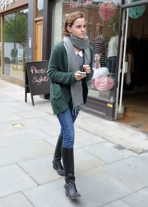 emma-watson-casual-outfits-14-500x699