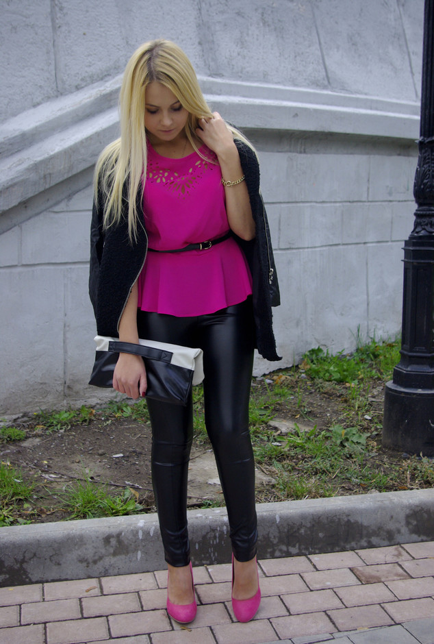 fuchsia-heels-wedges-black-pants~look-main-single (1)
