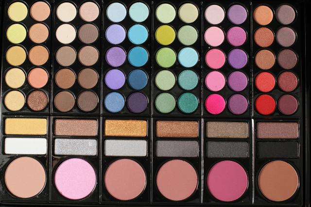 3 Types Of Amazing Makeup Palettes That You Should Have