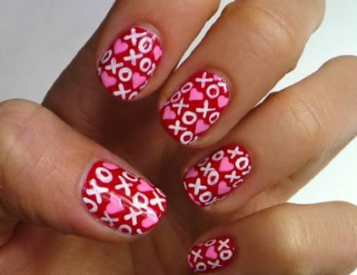 nail-art-con-cuori-e-xoxo