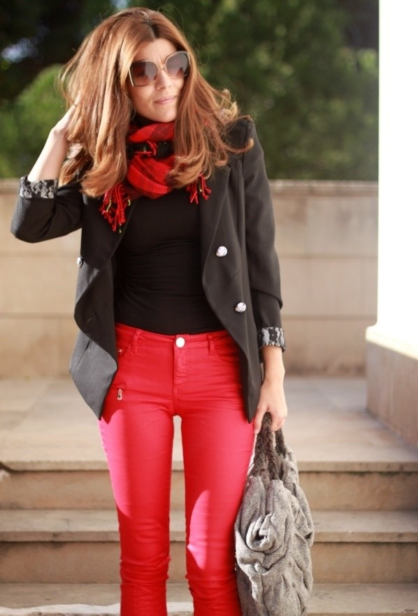negro-blazers-rojo-pantalones~look-main-single
