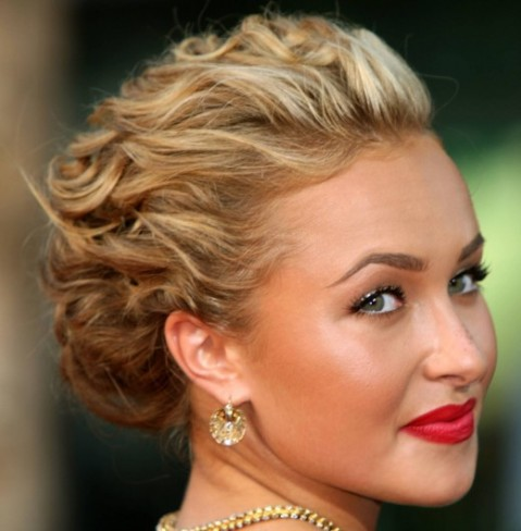royal-short-to-soft-curly-hairstyles-479x488