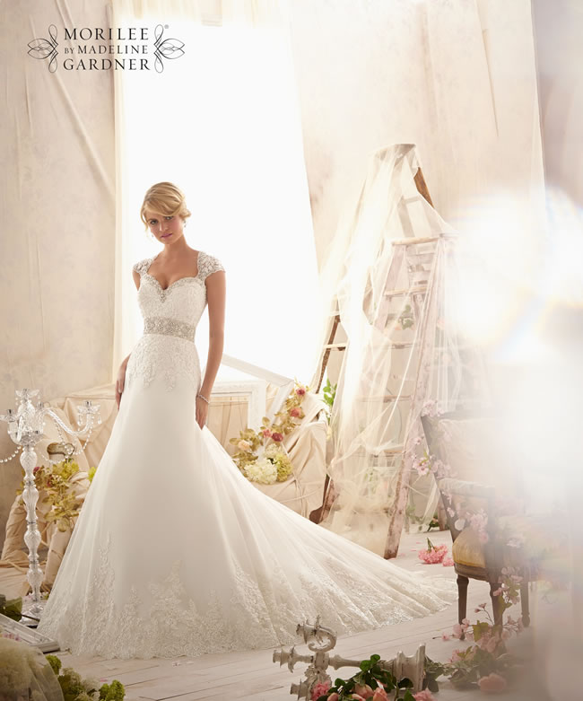 the-latest-mori-lee-bridal-collection-is-full-of-gorgeously-sparkly-princess-gowns-2616-050
