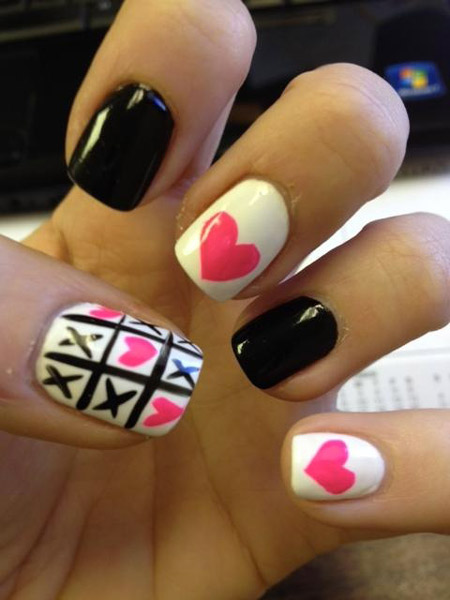 valentine_nails_pink_white_black