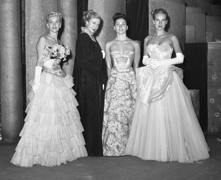 Evening_gowns,_1947