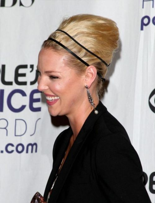 Great-hairstyles-with-simple-double-headbands