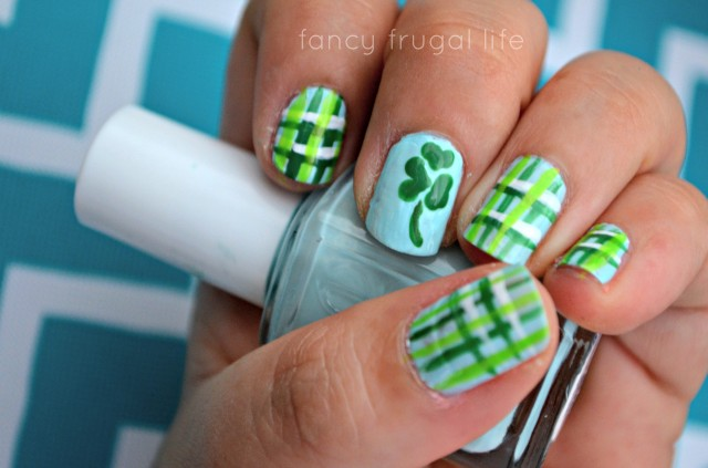 Plaid-Nail-Art-St.-Pattys-Day