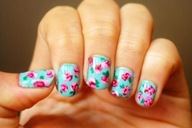 bright-floral-nail-art
