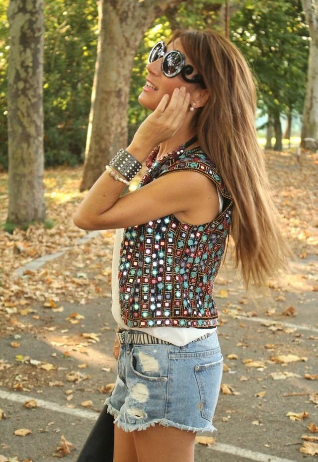 fashionable vest (1)