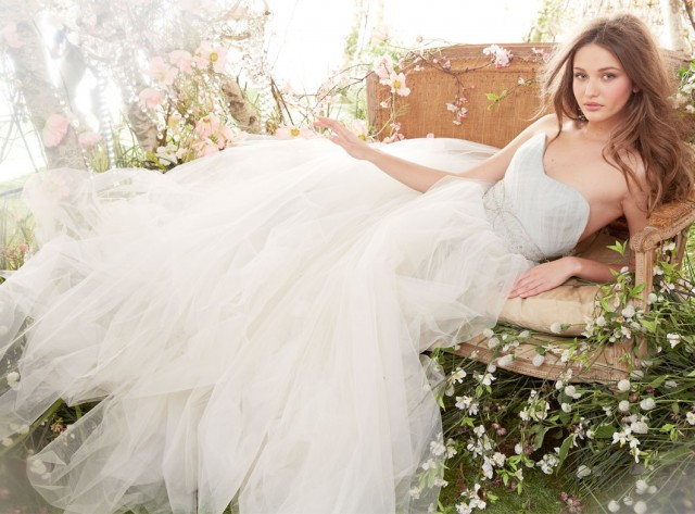 jim-hjelm-bridal-tulle-ball-gown-strapless-sweetheart-crisscross-crystal-embroidery-chapel-train-8415_zm