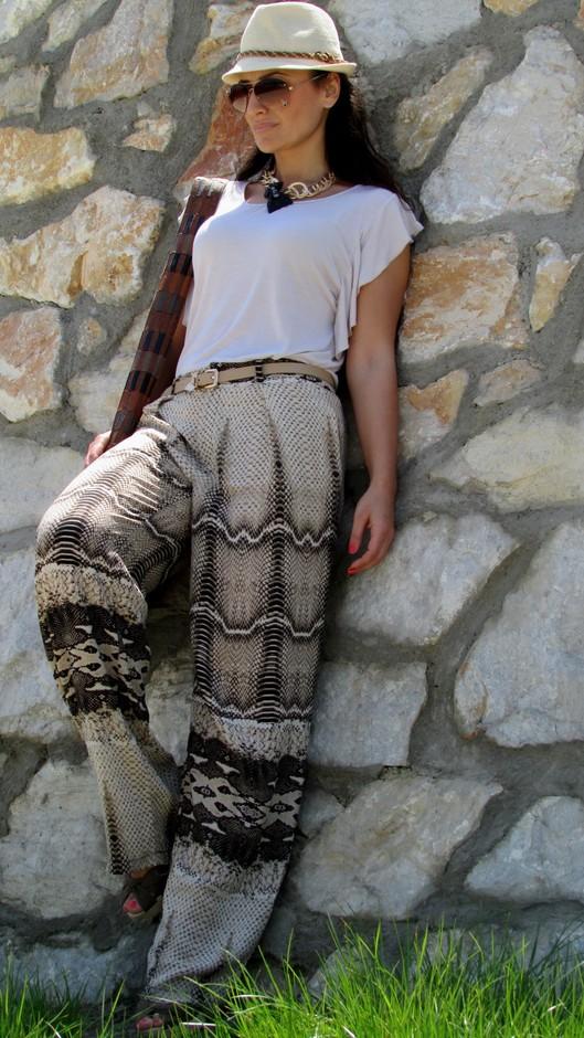 stradivarius-pants-straduvarius-heels-wedges~look-main-single