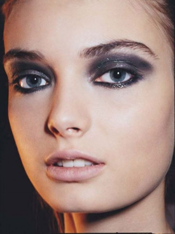 stunning-metallic-eye-makeup-ideas3