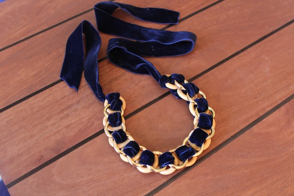 DIY-Velvet-Ring-Necklace