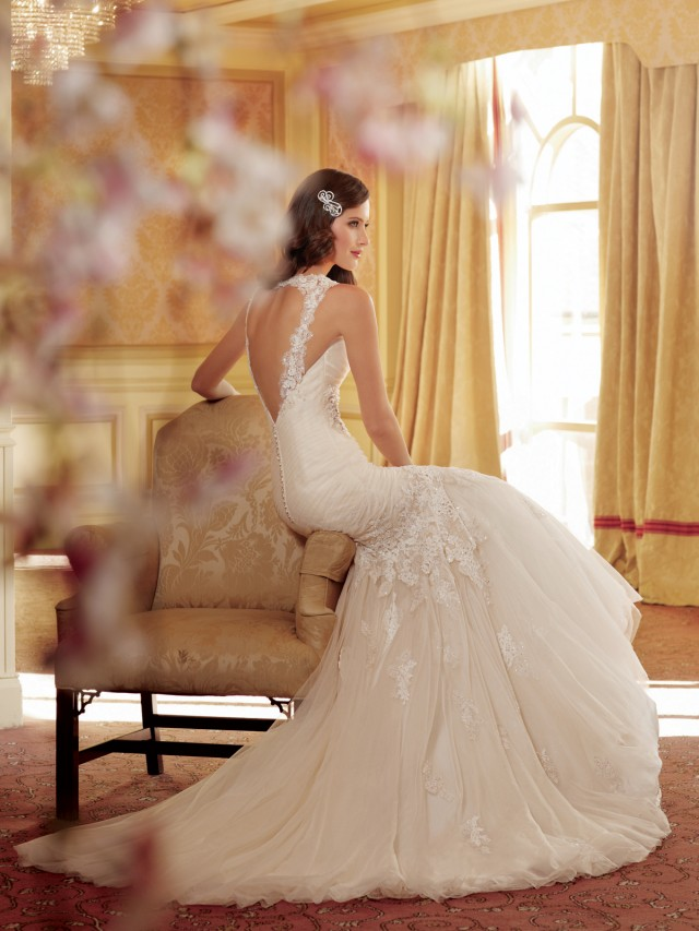 Y11418_Back_wedding_dresses_2014