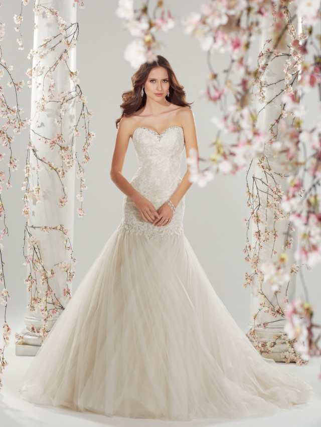 Y11420_wedding_dresses_2014