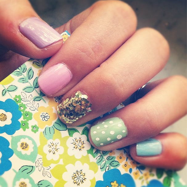 pastel-easter-nails-with-glitter-accent