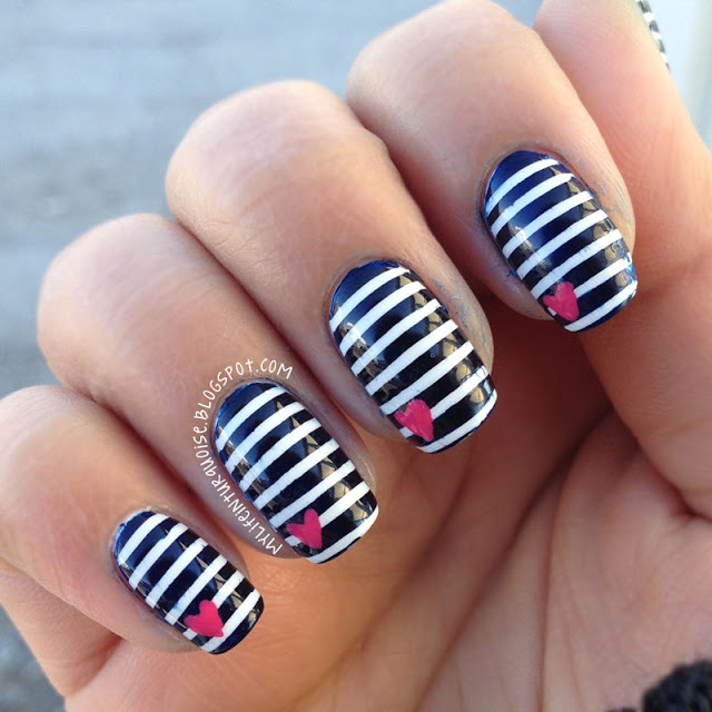Nautical-Stripes-Nail-Art-2.jpg