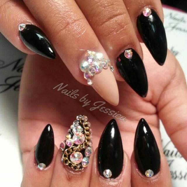 Black Pointy Nail Designs